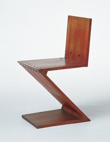 Chair designs by gerrit thomas rietveld designer furniture in de stijl style zig zag chair - Moderne stijl lounge ...