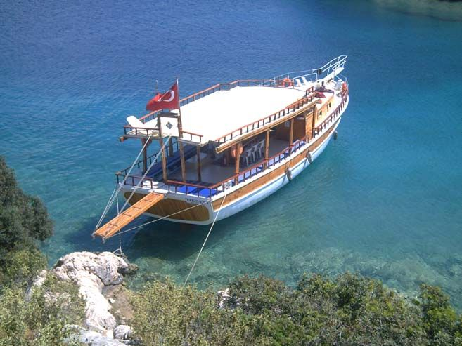 Kekova Bot Turu Korsan Ada Kaş Otel in sizlere özel olarak fırsat sunduğu Kekova Bot Turuyla Akdeniz'in mavi sularında tarih ve doğal güzelliklerle kucaklaşan şirin koyları ve adaları bir tekne ile keşvetmek burada mümkün. http://bit.ly/XO4gGr #Kaşotel #Akdeniz #Kekova #KorsanAda