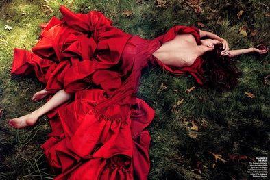Zac Posen: Zac Posen, Annieleibovitz, Beautiful, Dresses, Red Gowns, Annie Leibovitz, Red Riding Hoods, Carboxylic Block, Photo