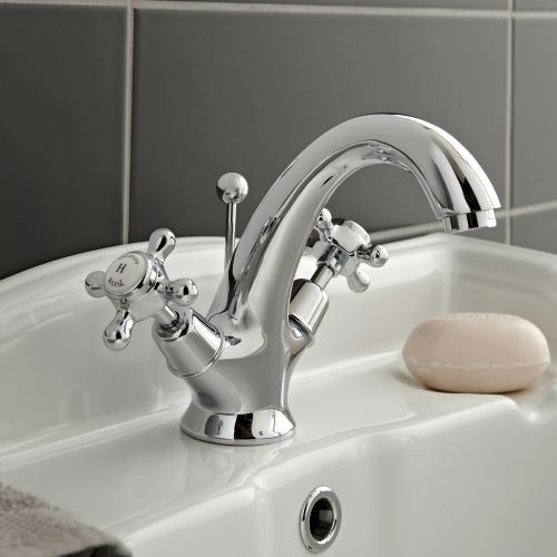 Enhance your traditional bathroom with the stunning Hudson Reed Topaz mono  basin mixer tap. Best 25  Bathroom taps ideas on Pinterest   Simple bathroom