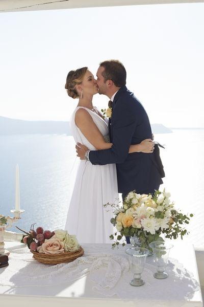 Kisses, In Love, Moments, Happiness, Memories, Caldera View, Florist, Art, Santorini Weddings
