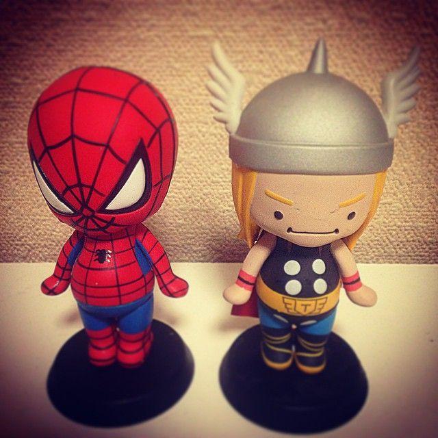 amazing 幼児体型 。 avengers 幼児体型。 3歳児の体型のスーパーヒーローズ。世界を救えるのか? #MARVEL#ASUNAROSYA#3age#theamazing#spiderman#themighty#thor#マーヴェルコミック#マーベルコミック#マーベルスーパーヒーローズ#アメージング#スパイダーマン#マイティー#ソー#あすなろ舎