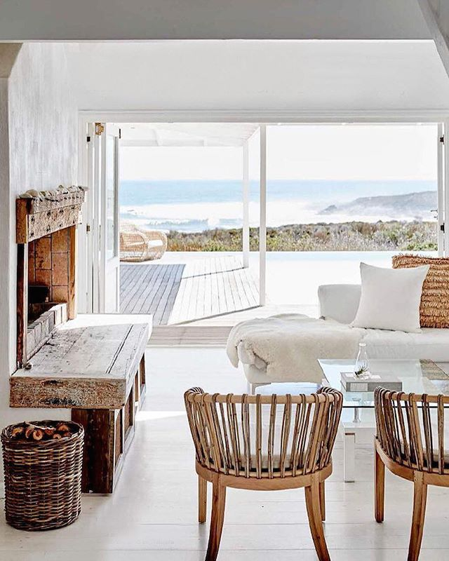 White #beach #house in Grotto bay, South Africa. Design Logo Homes, by Warren Heath via inside out-x debra @en.beaute  #deco #decor #design #decorater #weekend #weekendhouse #luxurydeco #luxurydecor #luxurydesign #luxurylife #style #evianParisian