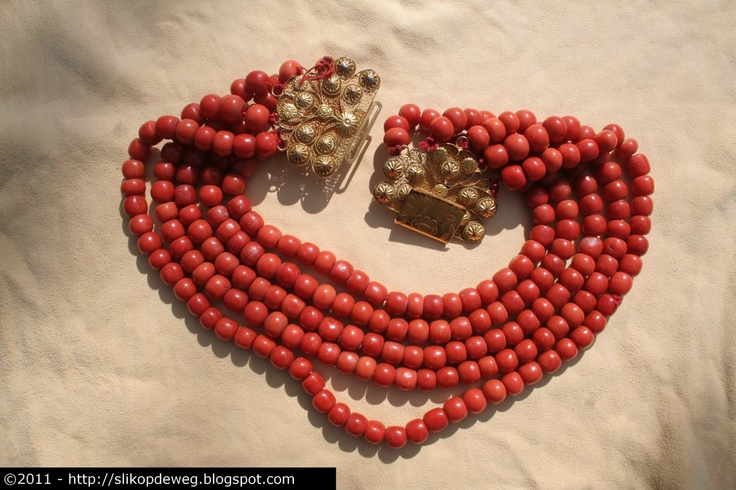 Traditional Zeeland bloodcoral necklace, for special occasions