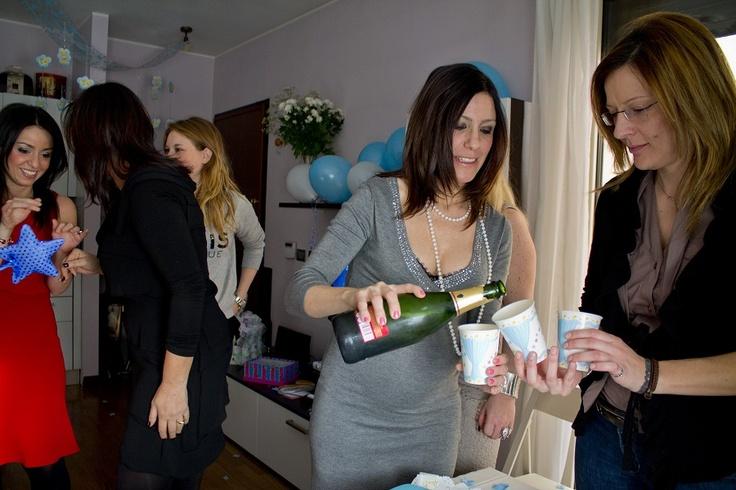 Una pioggia di regali… per neo e future mamme: il Baby Shower Party sbarca in Italia!