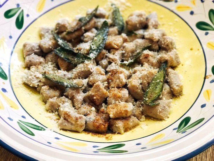 nhoque de batata azul [com manteiga queimada & sálvia] – Chucrute com Salsicha