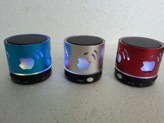 Bluetooth hangszóró, rádió, mp3 leátszó telefon kihangosító funkcióval