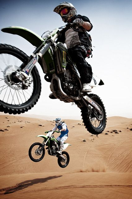 UGH! I SOOOO WANT TO GO TO THE DUNES! But my bike is too wittle :(