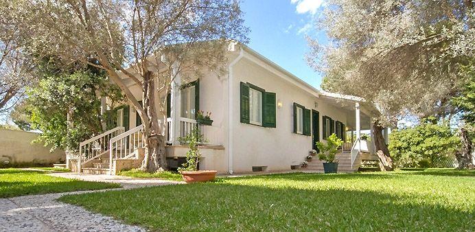 #villastorentsicily  Villa Bianchissima