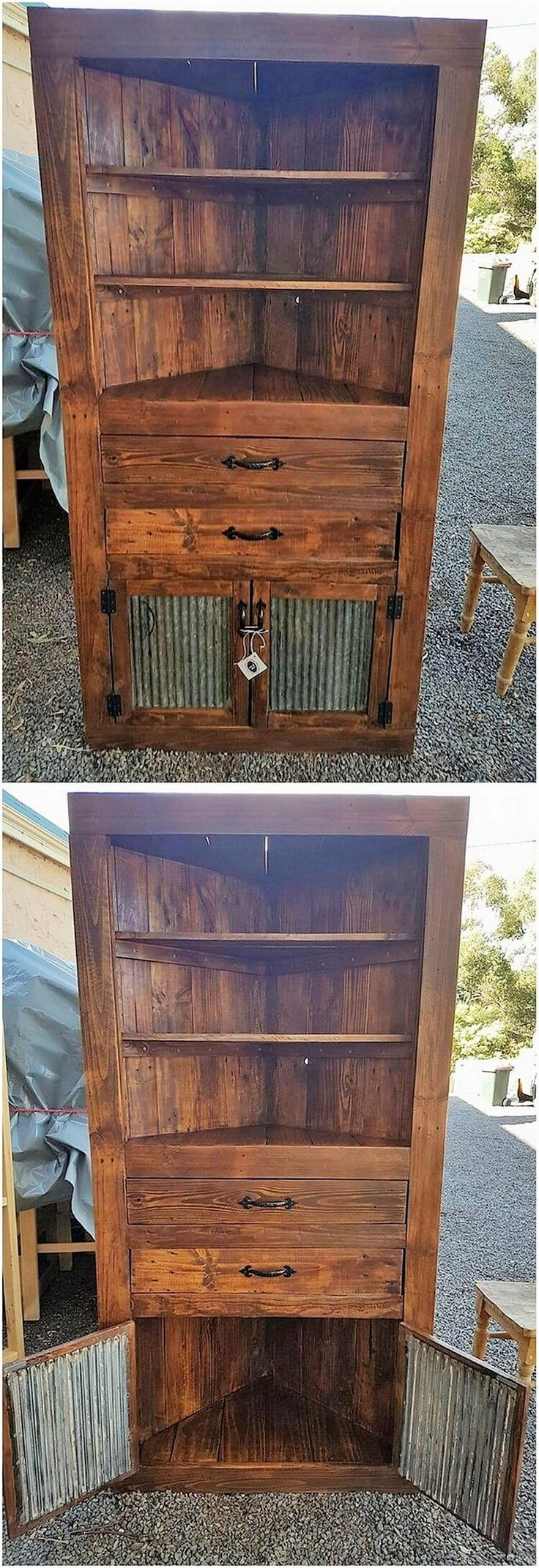 Check out this mesmerizing wood pallet corner unit or the cabinet for your house! Two in one service! Isn't it great and inspiring to make it part of your house? The whole shelving stand has been conceptually set with the wood pallet rustic material use that is worth-mentioning.