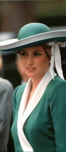 Princess Diana in Madrid, Spain April 1987 wearing a emerald green dress by Catherine Walker & a matching hat by Philip Somerville.