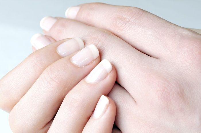 Cómo tratar las uñas débiles en casa - http://xn--decorandouas-jhb.com/como-tratar-las-unas-debiles-en-casa/