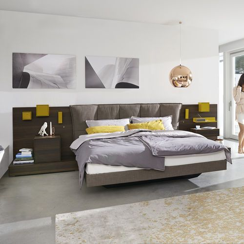 Double bed / contemporary / oak / lacquered wood LUNIS hülsta
