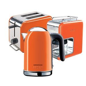 #kitchen #coffe #kahve makinesi #ekmek kızartma #toaster #kettle #colorful #renkli #turuncu #orange