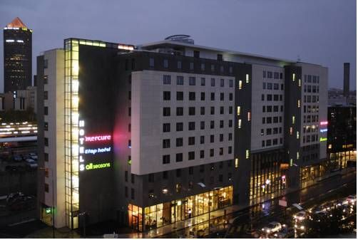 Mercure Lyon Part Dieu Lyon Located in the business district of Lyon, 100 metres from Gare de Part-Dieu TGV Train station, Mercure Lyon Part Dieu offers free Wi-Fi access.