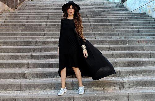 Maxi dress, long black dress, Madame de Rosa, fashion blogger, blogger, hat, fedora, sneakers, trainers, Superga