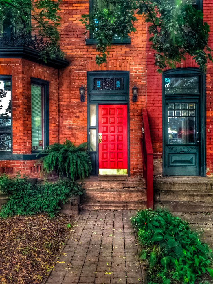 Red Door. Door Photography. Toronto Photography. Urban Photography. Modern Photography. Red Decor. Fine Art Giclee Print. Wall Art. by S4StarSbySiSSy on Etsy https://www.etsy.com/ca/listing/295315643/red-door-door-photography-toronto