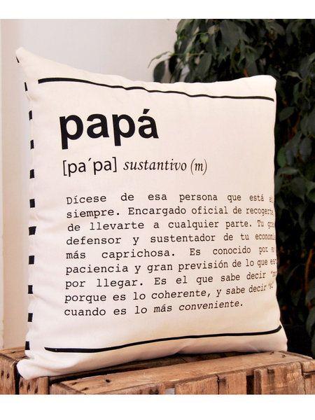 Cojín Papá, de UO-Estudio