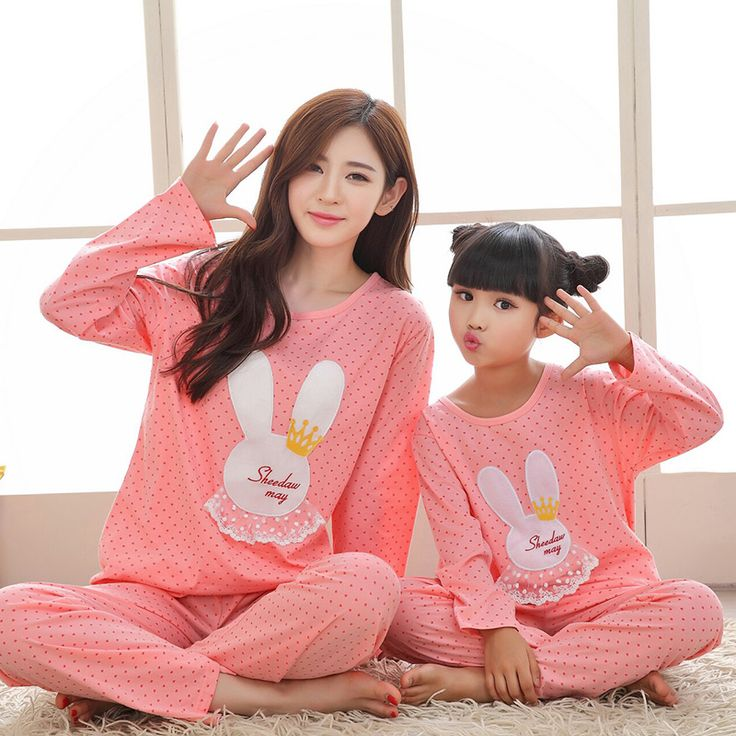 Family Matching Outfits 2016 autumn 100% cotton long sleeved lace rabbit mother/daughter pajamas clothes (T-shirt + pants) set