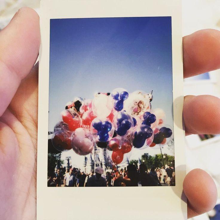 A cute balloon Polaroid! #balloons #magickingdom #waltdisneyworld #disney…