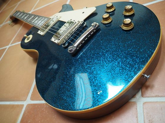 "1975-1976 Gibson Les Paul Deluxe Blue Sparkle ""Hum"""