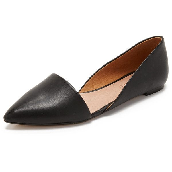 Madewell Lydia Flats ($100) ❤ liked on Polyvore featuring shoes, flats, true black, madewell shoes, flat pointed-toe shoes, madewell, leather pointed toe flats and leather pointy toe flats