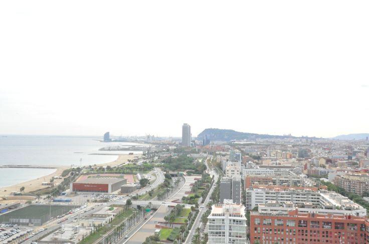 Vista aerea de la playa de Barcelona desde Diagonal Mar