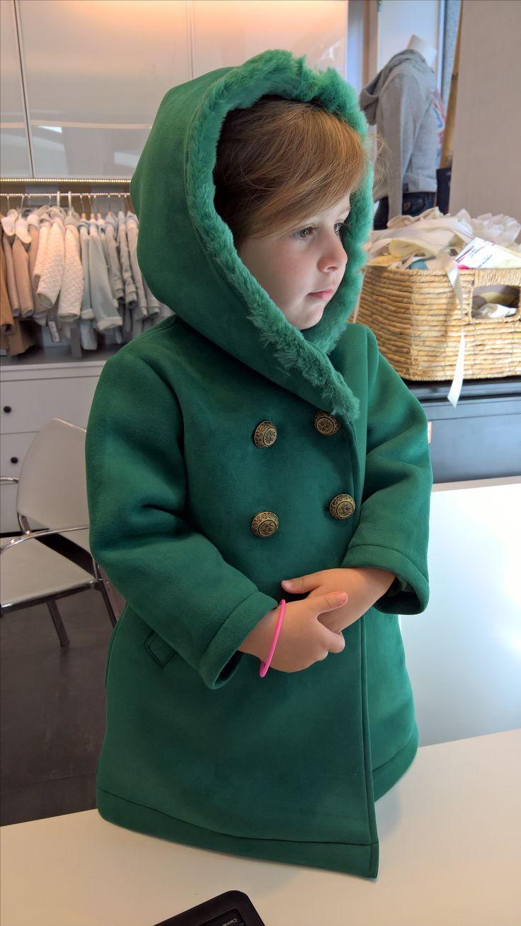 Espectacular abrigo en verde esmeralda de Pan con Chocolate Kids