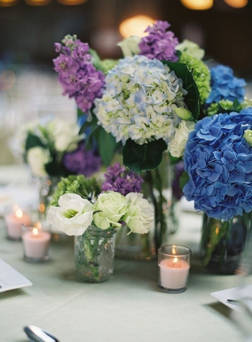 Hydrangea and lisianthus centerpiece wedding