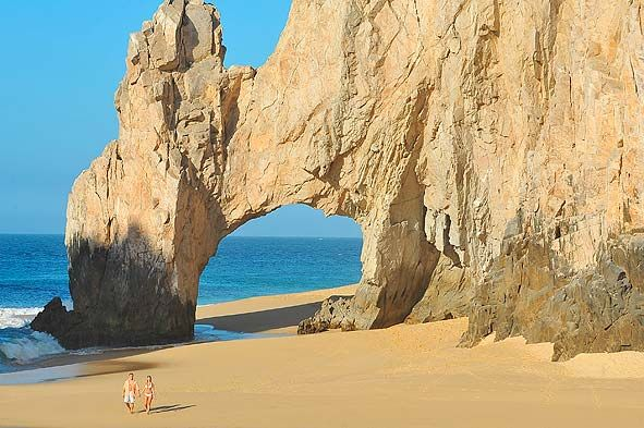 Where Celebrities Stay, Eat and Party in Los Cabos, Mexico
