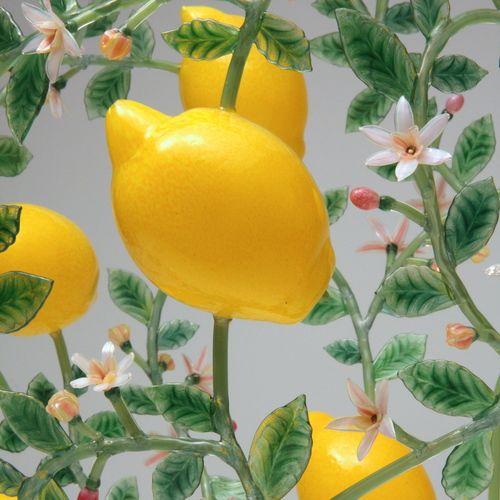 Kari Russell-Pool - Lemon detail