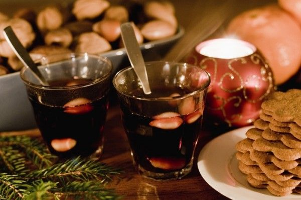 During Advent,Swedish mulled wine or Bishop's wine is drunk on St. Nicholas Day (December 6) This is a recipe link for Glogg (Swedish Mulled Red Wine) http://www.food.com/recipe/glogg-swedish-mulled-red-wine-my-swedish-mother-in-laws-199791