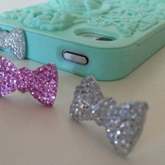 I phone earrings... What? Cutee