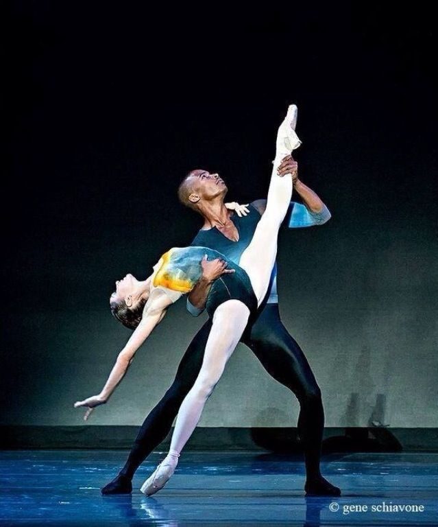 "Eric Underwood and Melissa Hamilton in ""Tryst"" Royal ballet"