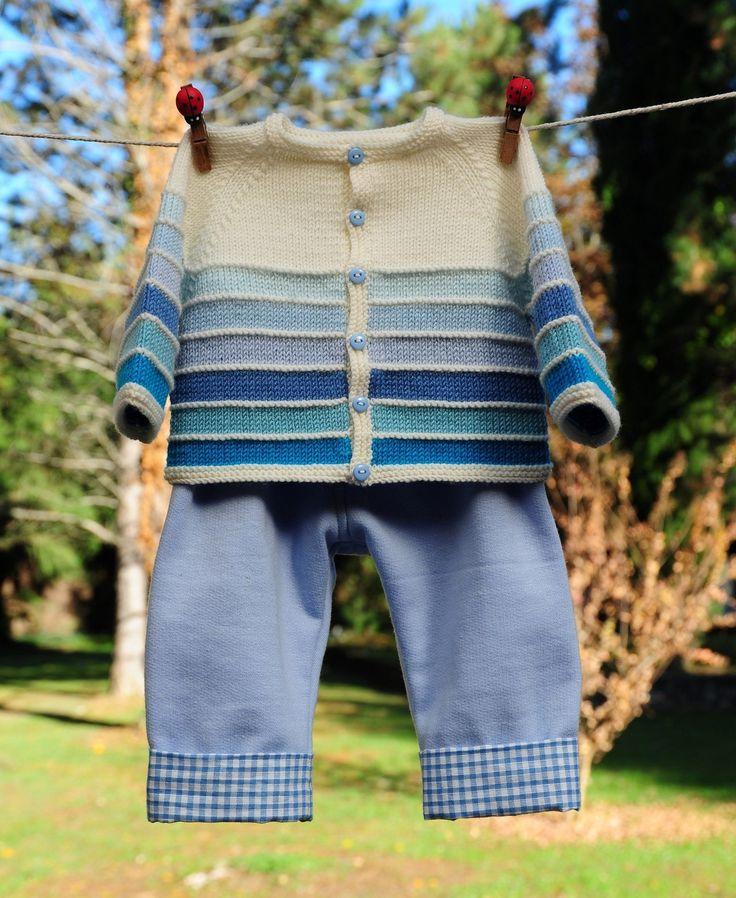 layette ensemble mérinos bleu et blanc 1-3 mois brassière tricotée main et pantalon cousu main