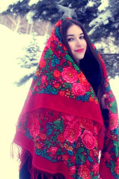 Russian girl with traditional shawl. lovely! - Yep, for wedding day...an idea.