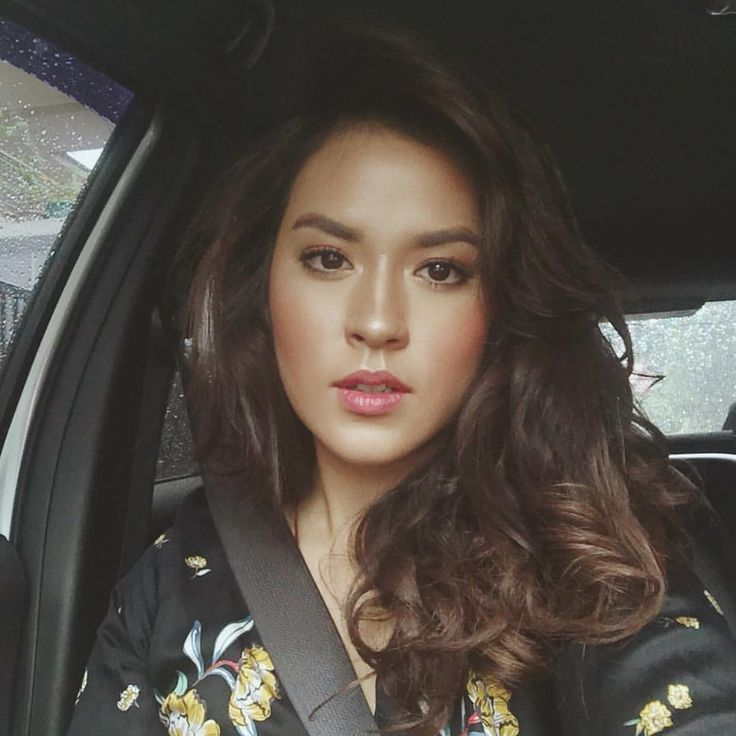 """318.4k Likes, 4,706 Comments - @raisa6690 on Instagram: """"Bronzed up for today's photo shoot ✨"""""""