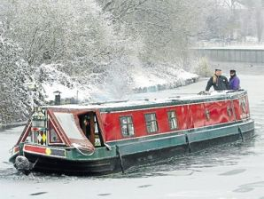 Gypsy Living Traveling In Style| Narrow Boat Touring-Narrow boat in the depths of winter