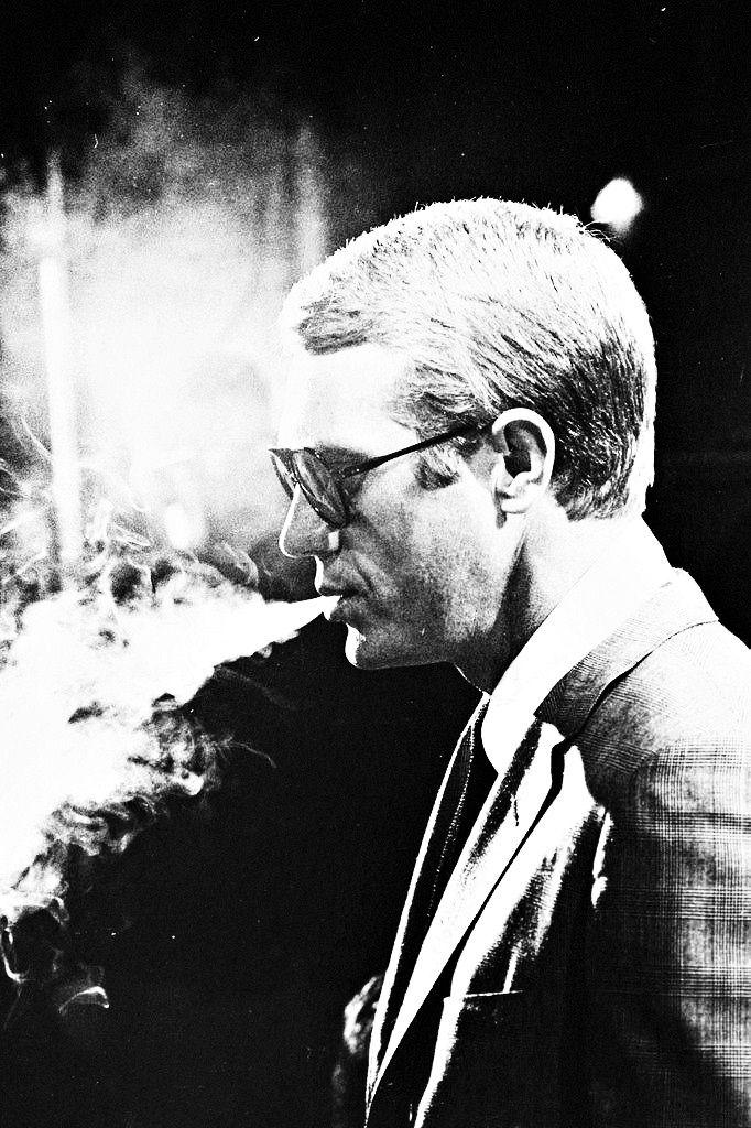 Steve McQueen photographed by Julian Wasser, 1964. S)