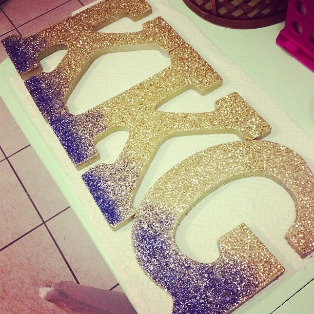 All I need in life is glitter. Just DG not kappas #crafting