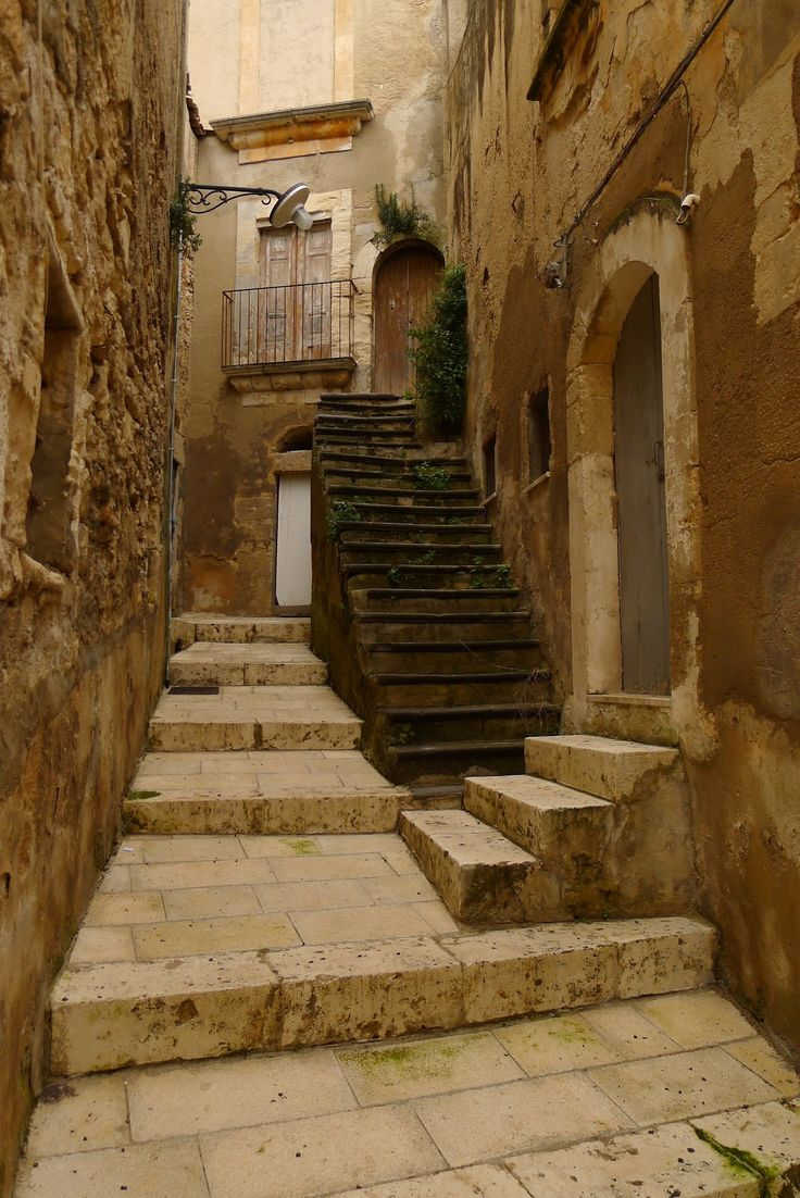 Jeffrey Bale's World of Gardens: Ragusa, Sicily