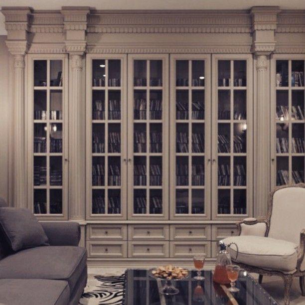 Шкаф для хранения дисков, домашний кинотеатр. Сделан на заказ по нашим эскизам из массива, краснодарскими умельцами. В нашем реализованном проекте, дом в Сочи. #Lashmanovadesign #Интерьер