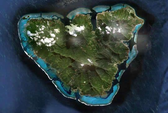 Szív alakú Moorea-sziget - Francia Polinézia