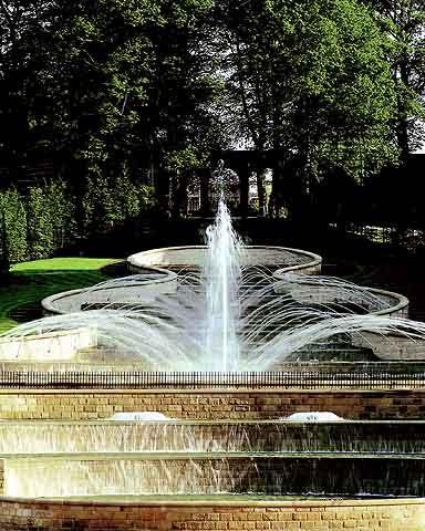 Alnwick gardens christmas experience essay