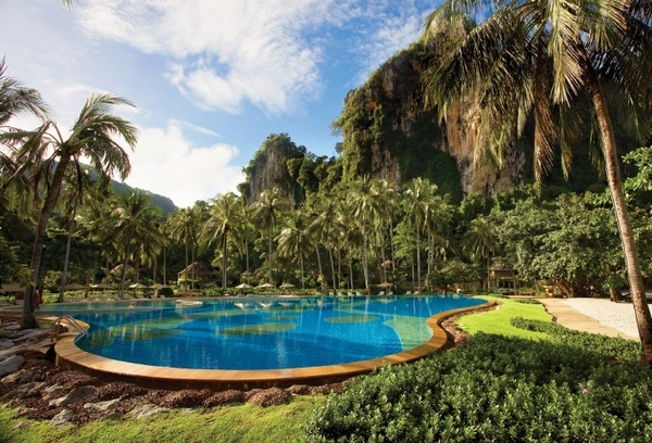 This is one of our favourite wedding and honeymoon resorts in Krabi, offering an idyllic blend of five star luxury, tropical ambience, privacy and powdery white sand...