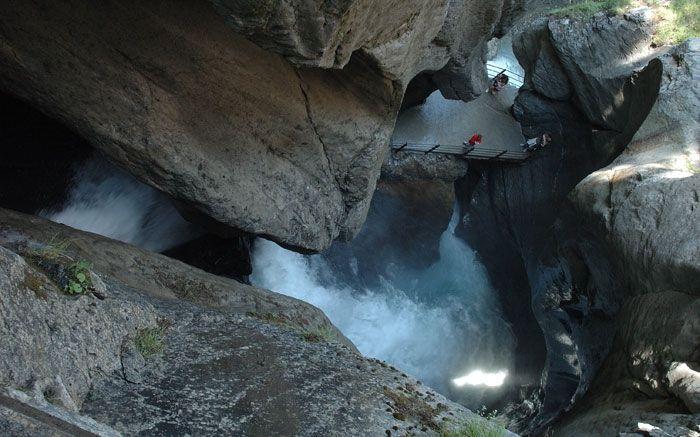 Die grössten unterirdischen Wasserfälle der Welt erleben