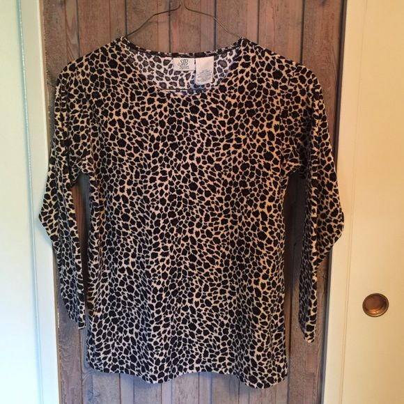 Velour cheetah print shirt So soft and comfy!  This velour is not too heavy like others. So cute to dress up or down! 💛 SJB Sport Tops