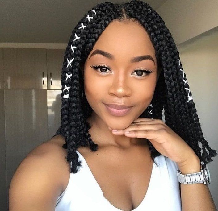 These 16 Short Fulani Braids With Beads Are Giving Us Life In 2019 Supermelanin Natur In 2021 Short Box Braids Hairstyles Single Braids Hairstyles Short Box Braids
