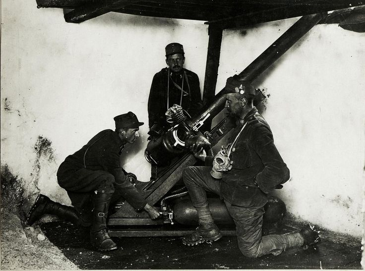 WWI, 17 Sept 1917; Marmolata, air powered gun. -WWI covered live (@ThisDayInWWI) | Twitter