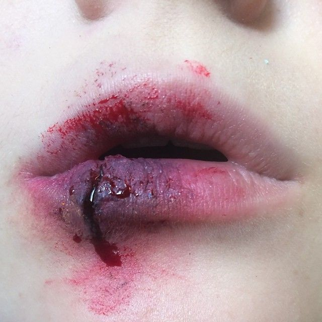 """""""Seeing some progress in my sfx skills  this felt so weird on my lips haha, made this with grimas cream colors, derma wax and fake blood off course! …"""""""